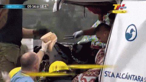 Accidentes en la Panamericana: rescatan de entre los hierros a un camionero.