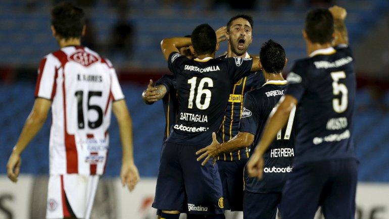 Central logró un triunfo en su visita a River de Uruguay y dio un paso hacia la clasificación