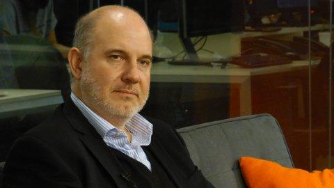 Luis Secco, columnista de InfobaeTV, estimó que la deuda pública real trepa a 75% del PBI
